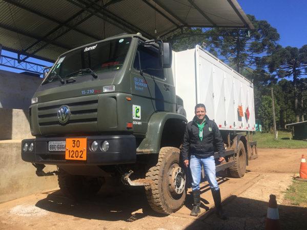 Tanque equipado com água, preparado para auxiliar no combate a incêndio2